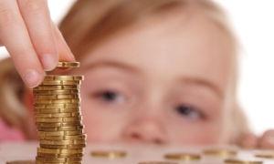 Выплата алиментов матери ребенка до 3 лет — размер в 2018 году